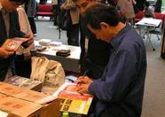 Mr. Niitani signing for his fans