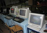 Real MSXes demoing software at the Trilobyte and Bitwise booth: Qbiqs, Deep Dungeon and La Corona Encantada.