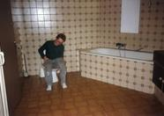 Bas checking out the toil... ehm bathroom.